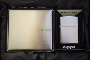 ZIPPO z200 Brush Finish Chrom + Papierośnica + Twój grawer