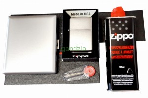 ZIPPO z208 Satin Finish Chrom + Papierośnica + Grawer